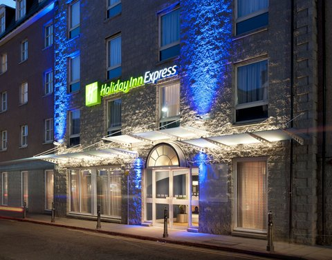 Holiday Inn Express Aberdeen City Centre - Only 100 yards from Union Street with it s bars and restaurants