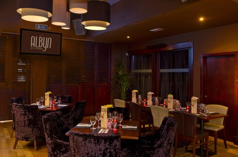 Holiday Inn Express Aberdeen City Centre - Contemporary dining at our partner restaurant  The Albyn