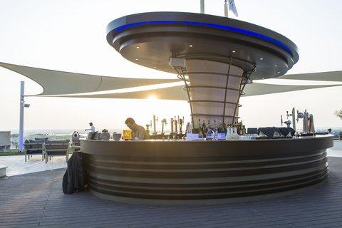 فندق كراون بلازا أبوظبي, جزيرة ياس  - Bar and Lounge