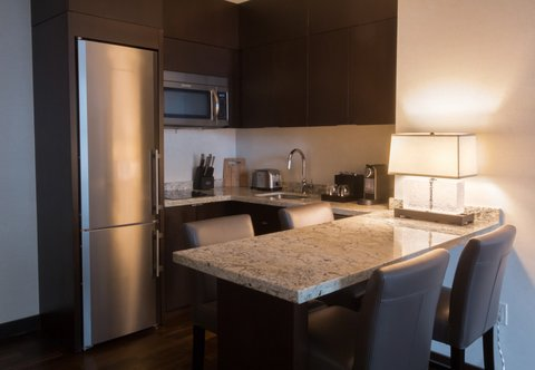 JW Marriott Houston Downtown - Never Leave Suites