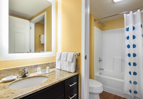 TownePlace Suites Los Angeles LAX/Manhattan Beach - Two-Bedroom Suite Bathroom