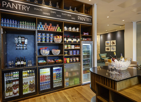 Staybridge Suites LONDON - VAUXHALL - The  Pantry     Drinks Cabinet