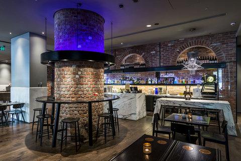 Oaks WRAP on Southbank - Bar