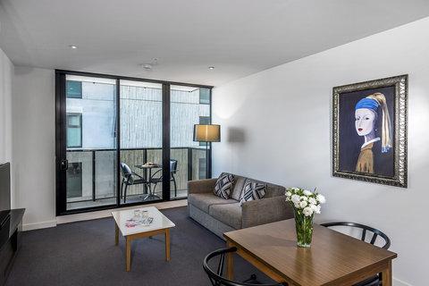 Oaks WRAP on Southbank - Living Room