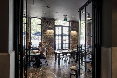 Oaks WRAP on Southbank - Restaurant