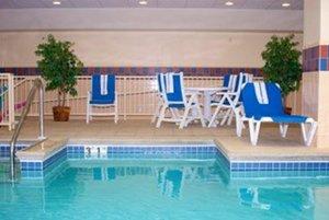 Pool - Hampton Inn Freeport