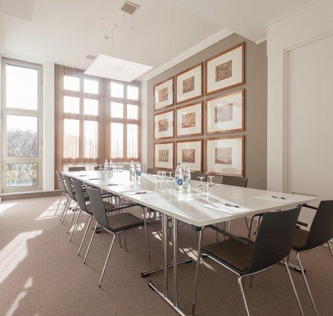 EMA House Zurich - Meeting Room