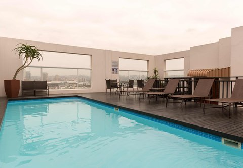 PH Edward - Rooftop Pool