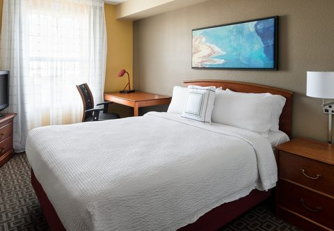 TownePlace Suites Los Angeles LAX/Manhattan Beach - Two-Bedroom Suite Bedroom Two