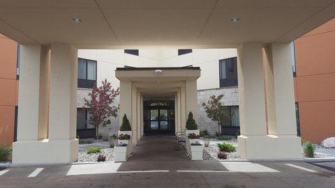 Holiday Inn Express & Suites Pocatello - Entrance