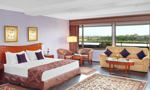 هوليداي إن القاهرة المعادي - Spacious Handicapped Room overlooking the majestic Nile river