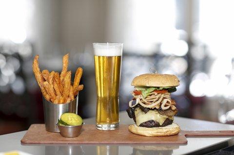 Courtyard Atlanta Vinings - TPH Burger