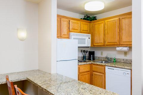 Staybridge Suites BROWNSVILLE - Suite kitchen