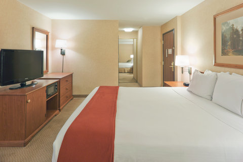 Holiday Inn Express Hotel And Suites Bishop - King Bed Guest Room