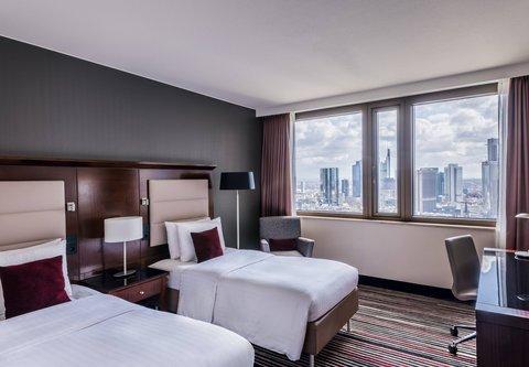 Frankfurt Marriott Hotel - Twin Twin Guest Room - Skyline View
