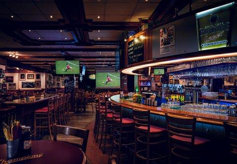Frankfurt Marriott Hotel - Champions Sports Bar