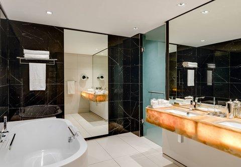 African Pride 15 on Orange Hotel - Two-Bedroom Suite - Bathroom