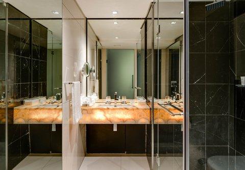 African Pride 15 on Orange Hotel - Two-Bedroom Suite - Bathroom Vanity