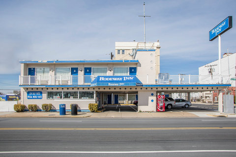 Rodeway Inn At the Beach - Exterior