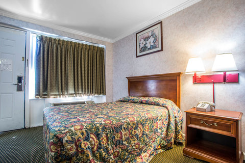 Rodeway Inn At the Beach - Guest room