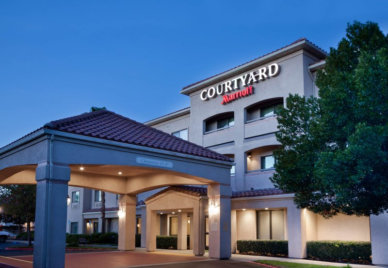 COURTYARD PALMDALE MARRIOTT