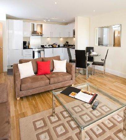 Oakwood at Great Suffolk Street - Living Room