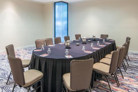 Marriott Charlotte Executive Park Hotel - Emerald Board Room