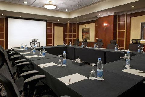 هوليداي إن القاهرة المعادي - El Menia Meeting Room