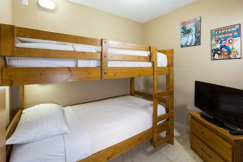Holiday Inn Resort DAYTONA BEACH OCEANFRONT - Bunk Beds in Kid s Suite