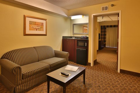 Holiday Inn Hotel & Suites BEAUMONT-PLAZA (I-10 & WALDEN) - Executive Suite