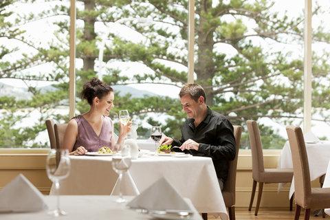 Crowne Plaza TERRIGAL - Dining in Seasalt Restaurant