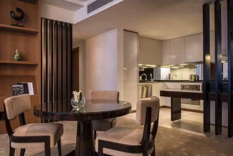 InterContinental RESIDENCE SUITES DUBAI F.C. - One Bedroom Suite Living Room