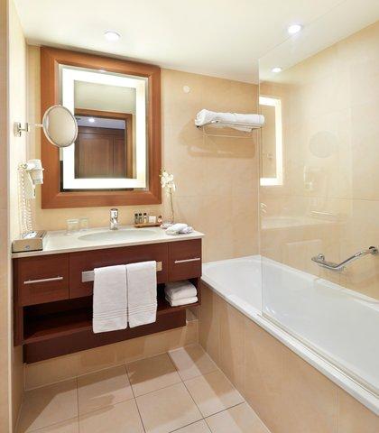 根特万豪酒店 - River View Junior Suite Bathroom