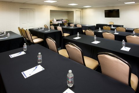 Holiday Inn Express NASHVILLE AIRPORT - Newly Renovated Lobby Level Meeting Room