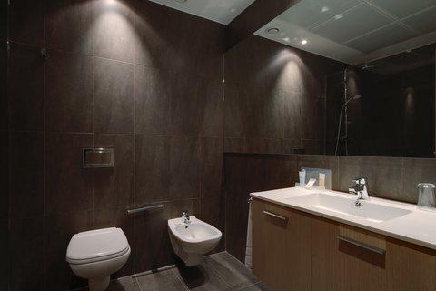 Holiday Inn BILBAO - Guest Bathroom