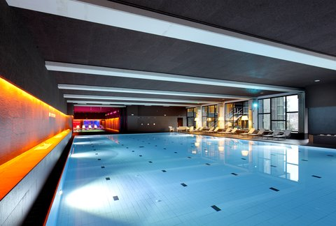 Holiday Inn BILBAO - Swimming Pool