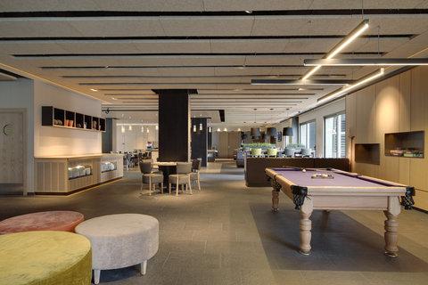 Holiday Inn BILBAO - Hotel Lobby