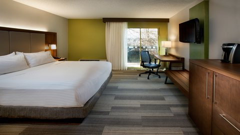 Holiday Inn Express NASHVILLE AIRPORT - Newly Renovated King Guest Room