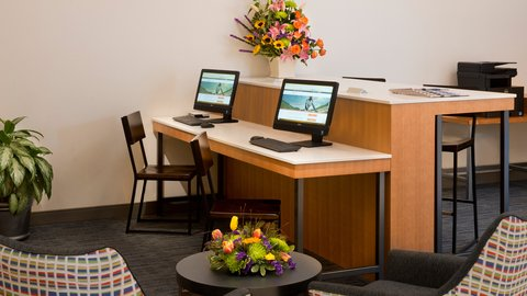 Holiday Inn Express NASHVILLE AIRPORT - Newly Renovated Hotel Business Center
