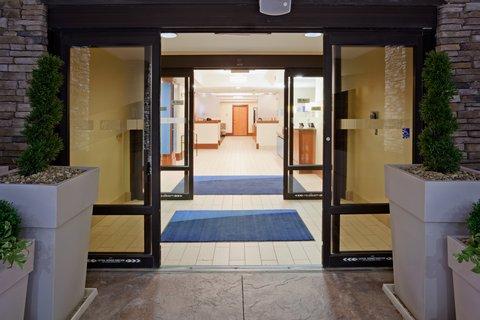 Holiday Inn Express CEDAR RAPIDS (COLLINS RD) - Welcome to the Holiday Inn Express - Collins Road Cedar Rapids