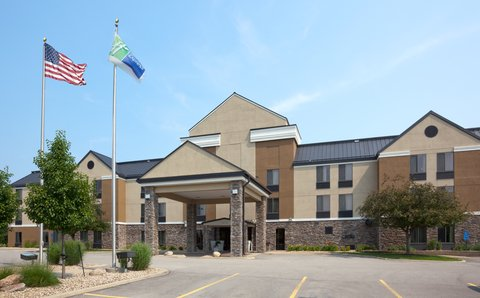 Holiday Inn Express CEDAR RAPIDS (COLLINS RD) - Hotel Exterior