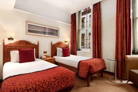 Hilton Brighton Metropole - Twin Guest Room
