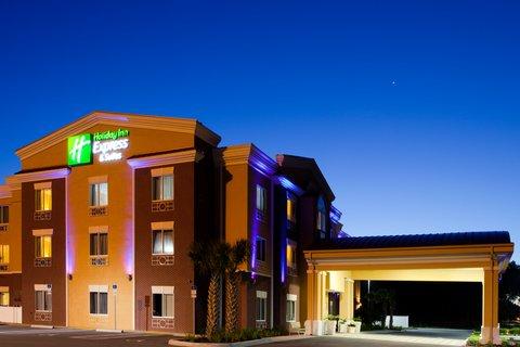 Holiday Inn Express Hotel & Suites Brooksville-I-75 - Hotel Exterior of Holiday Inn Express Brooksville  Florida I-75