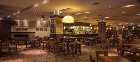 Hilton Dublin Airport - Burnell s Bar and Grill