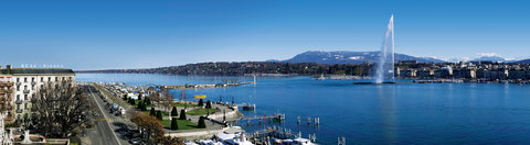 Beau-Rivage, Geneva - Localisation with the lake
