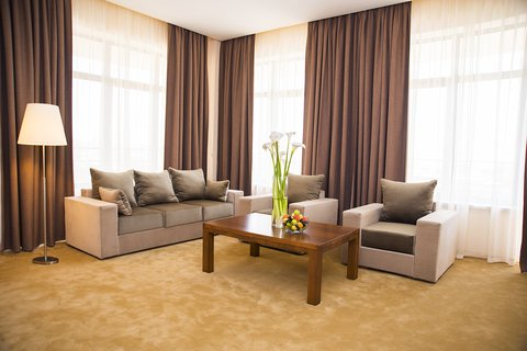 Ani Plaza Hotel - Status Suite OLY