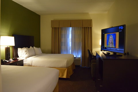 Holiday Inn Express & Suites Geneva Finger Lakes - All channels are available in HD