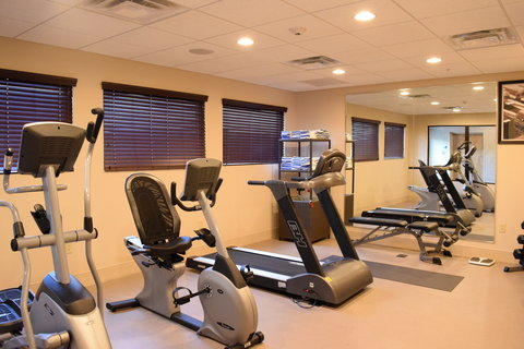 Holiday Inn Express & Suites Geneva Finger Lakes - Come enjoy a nice work out with our newly added free weights