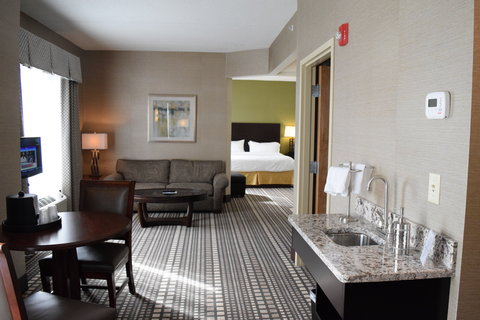 Holiday Inn Express & Suites Geneva Finger Lakes - This Jacuzzi Suite is truly one of a kind  Please book today