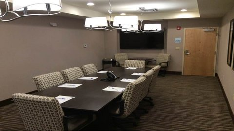 Holiday Inn Express & Suites Geneva Finger Lakes - Meeting Room